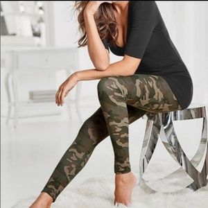 NWT New Mix Women's Leggings Camouflage